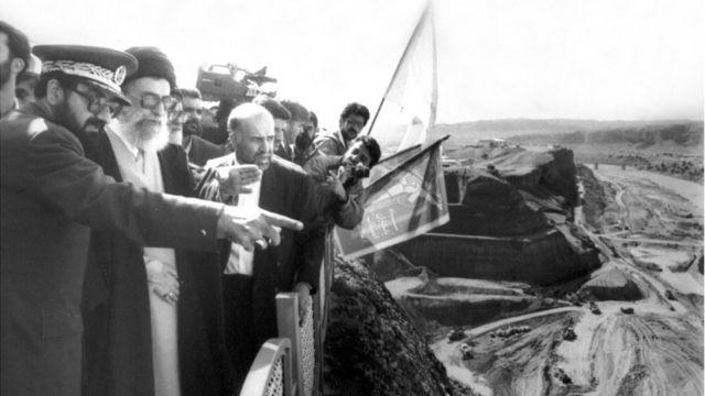 بازدید آقای خامنهای از ساخت سد کرخه