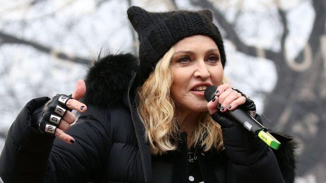Мадонна на марше женщин
