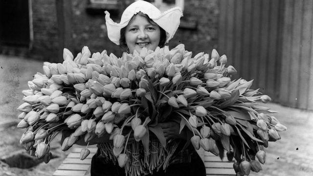 Holandesa con flores