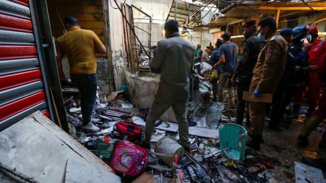 Sadr City'deki pazar yeri, bayram alışverişine gelenlerle doluydu