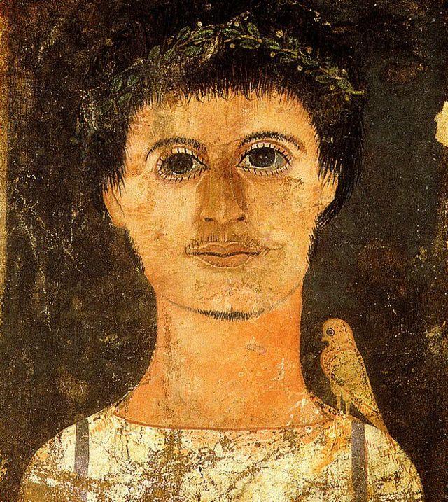 Retrato de Fayum de un joven con un pájaro en el hombro.