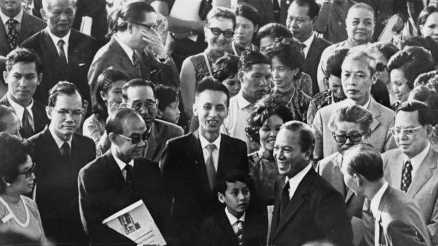 Tổng thống Việt nam Cộng hòa, Nguyễn Văn Thiệu, khánh thành một bệnh viện tại Sài Gòn 22/3.1973.