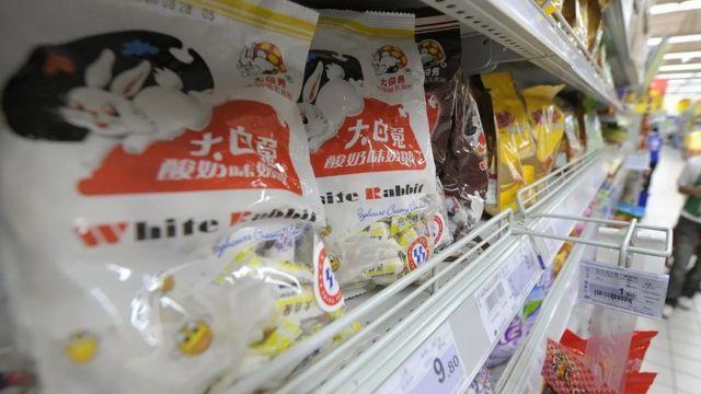 美国总统尼克松上世纪70年代初访问中国,中国送他的礼物是有名的大白兔奶糖。