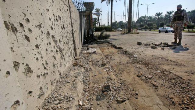 ABD'nin Bağdat Büyükelçiliği'ne roketli saldırı: 1 yaralı - BBC News Türkçe