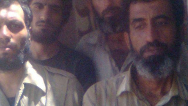 عکس چهار ماهیگیر ایرانی لنج سراج که دزدان دریایی برای خانواده آنها فرستادهاند