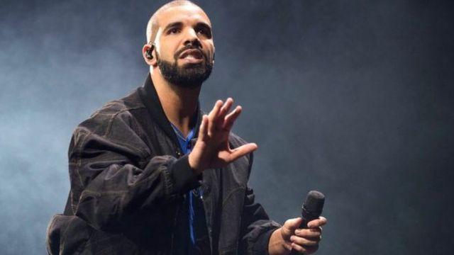 المغني الكندي دريك