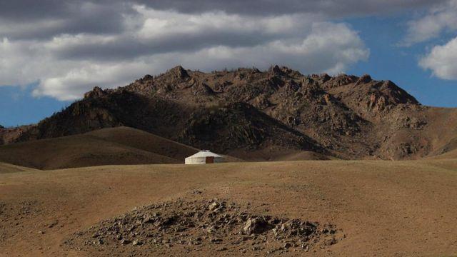По территории Монголия более чем в семь раз превосходит Великобританию