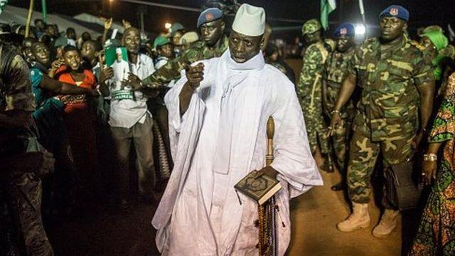Jammeh a annoncé qu'il va demander au ministre de la justice et au parlement de voter une loi d'amnistie pour éviter toute chasse aux sorcières.