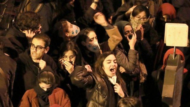 德蘭黑示威