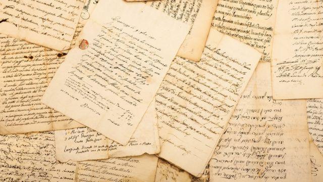 Cartas em itálico