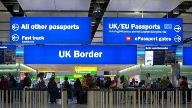 تابلو در مرز بریتانیا