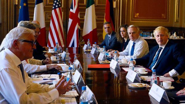 L'opposition syrienne a dévoilé son plan de transition politique au cours des pourparlers avec la rébellion qui se déroulent à Londres.