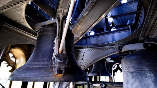 Один из четвертных колоколов часовой башни