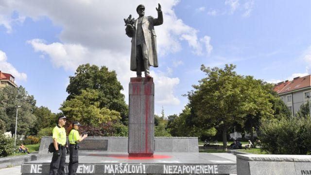 памятник 22 августа