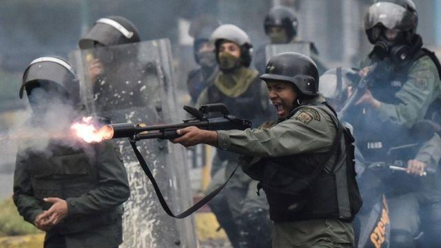 En 2017, la oposición le pidió infructuosamente a las fuerzas de seguridad que no reprimieran las protestas.