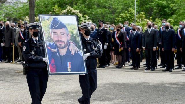 اریک ماسون، مامور پلیس در حین خدمت کشته شد