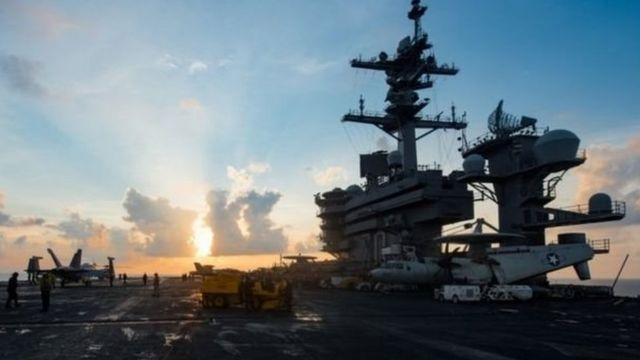 कोरियाई प्रायद्वीप में तैनात अमरीकी युद्धपोत