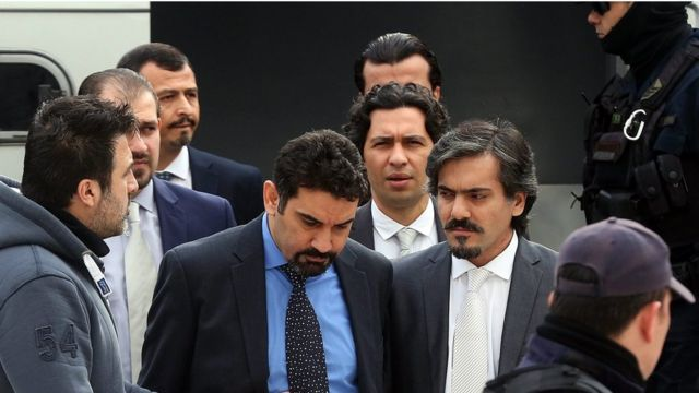 العسكريون الأتراك أثناء حضور جلسة النطق بالحكم