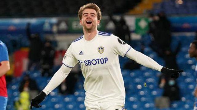 Patrick Bamford playing for Leeds United