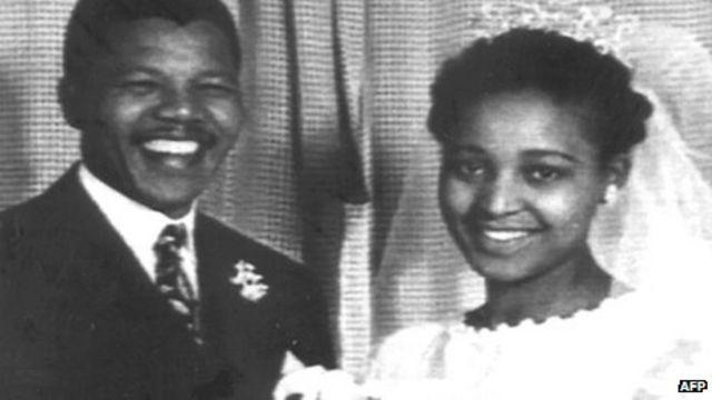 넬슨 만델라(왼쪽)와 위니 마다키젤라의 결혼식 사진