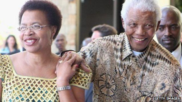 만델라 전 대통령은 1988년 그의 80번째 생일에 그라사 마셸과 결혼했다