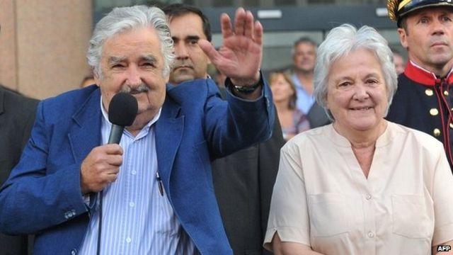 José Mujica y Lucía Topolanksy.