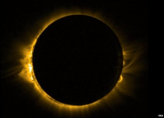 欧州宇宙機関(ESA)の小型人工軌道衛星「プローバ2」が昨年3月に撮影した日食