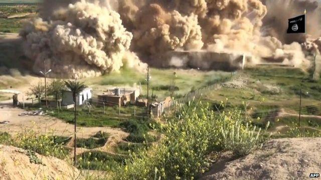 لقطة شريط فيديو يظهر تدمير مسلحي تنظيم الدولة الاسلامية لآثار النمرود