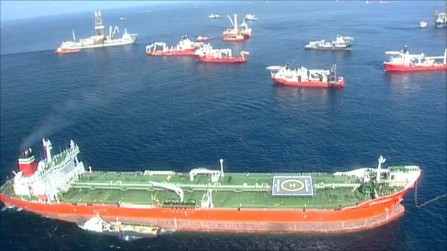 Ships at BP oil spill site