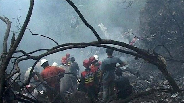 Rescue workers in Islamabad