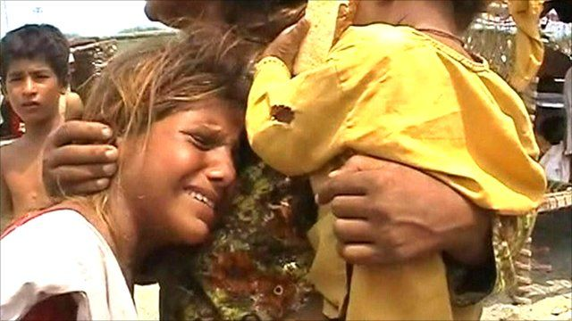 Crying victims of the Pakistan floods