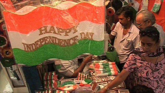 Indians search for trinkets to celebrate Independence Day