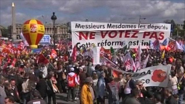 Protests in Paris over pensions