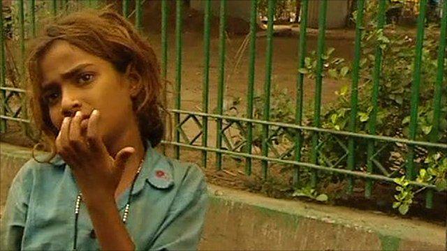 Girl begging in Delhi