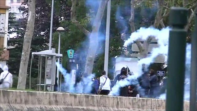 Tear gas fired at demonstrators