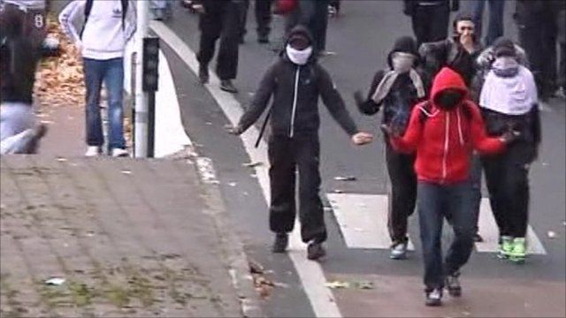 Youths jeer police in Nanterre