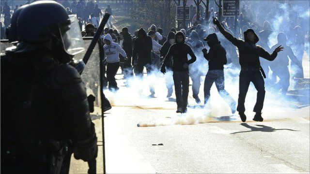 French police confront rioters in Nanterre