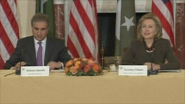 Hillary Clinton and Pakistani Foreign Minister Shah Mahmood Qureshi