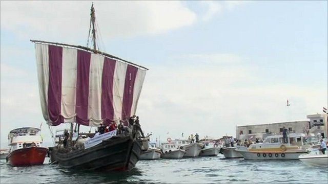 The replica ship arriving in port
