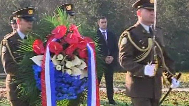 Wreath laid at memorial at Ovcara