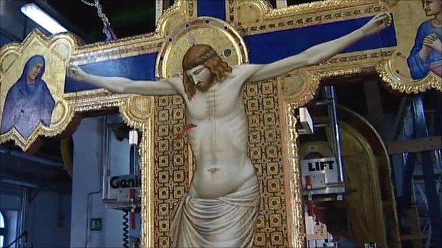 Giotto masterpiece crucifix restored to former glory - BBC ...