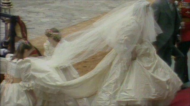 Media Player Princess Diana In Her Wedding Dress