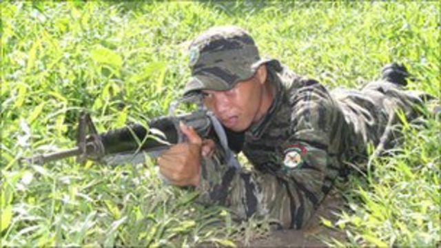 Philippines and MILF rebels in wealth-sharing deal