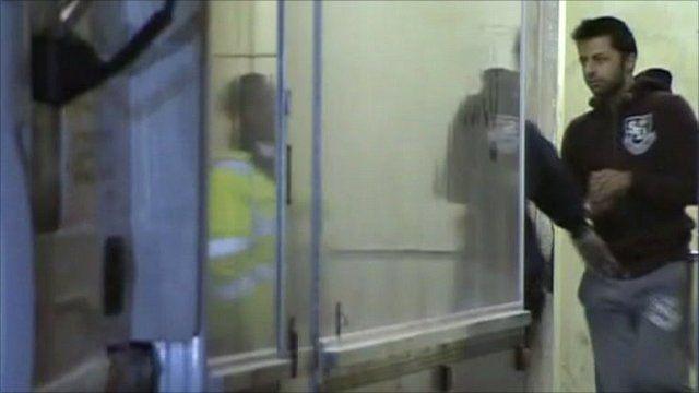 Shrien Dewani arrives at court