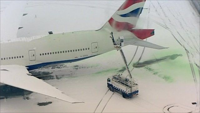 Despite attempts to de-ice, most planes remained grounded at Heathrow