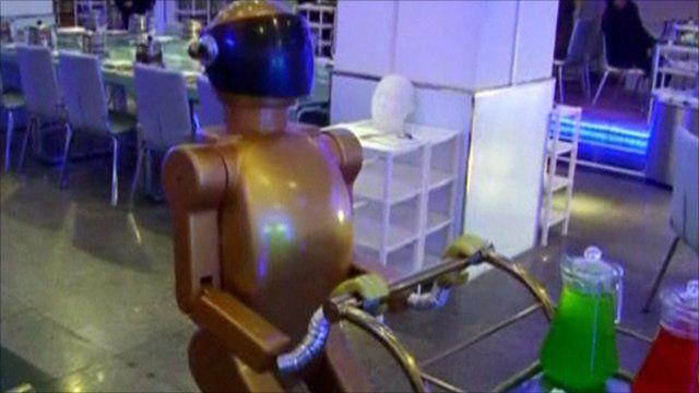 Robot in restaurant