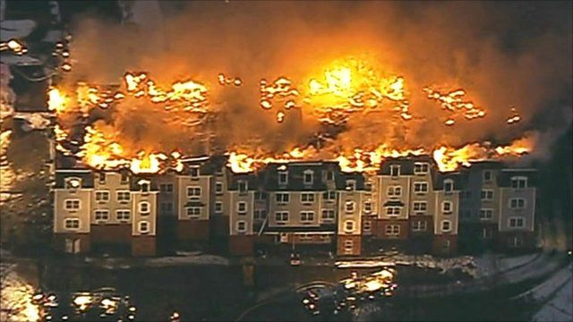 Massive fire in US apartment block