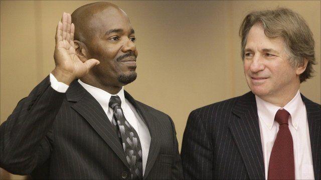 Cornelius Dupree Jr (left), attorney Barry Scheck (right)