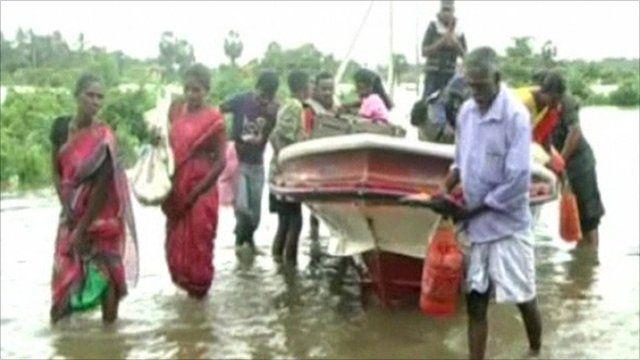 People in Sri Lanka flee their homes