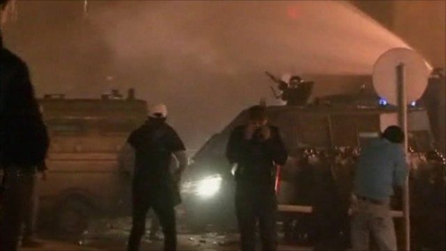 Water cannons fired at protesters in Cairo